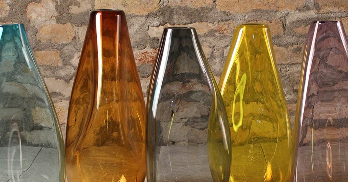 How to decorate with Murano glass vases